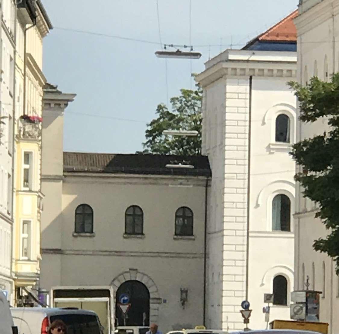 Stilvolles Appartement, direkt an der UNI  Schwabing, luxuriös möbliert, mit Balkon in Maxvorstadt (München)