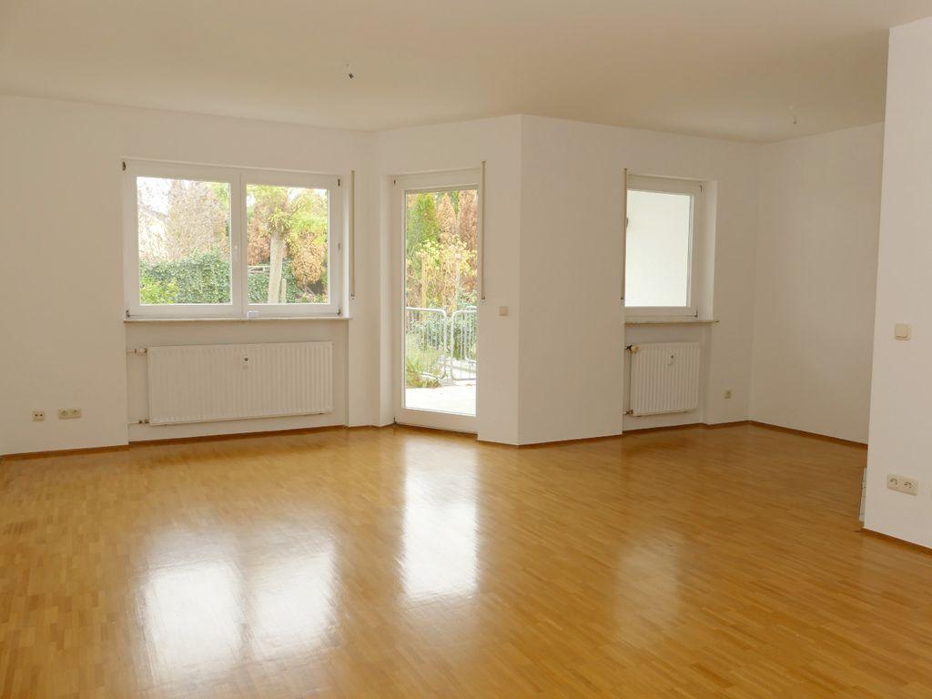 Wohn-/Eßzimmer:Blick ins Grüne