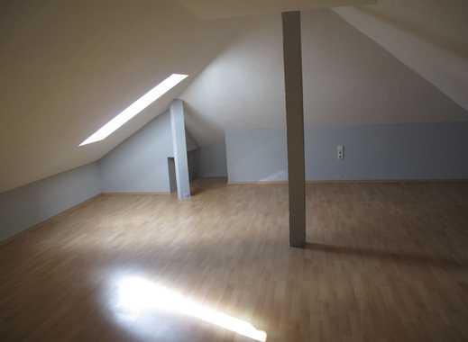 Gepflegte 3-Zimmer-Dachgeschosswohnung mit EBK in Rimpar