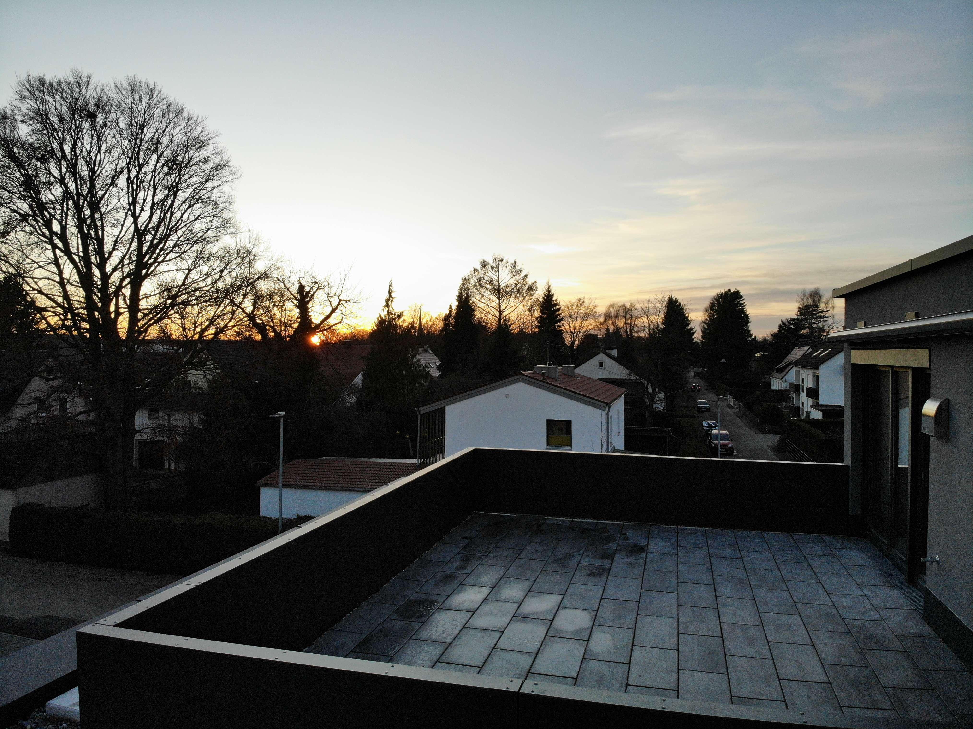 Neubau-Penthouse mit herrlicher Dachterrasse und Blick ins Grüne in Schwabmünchen