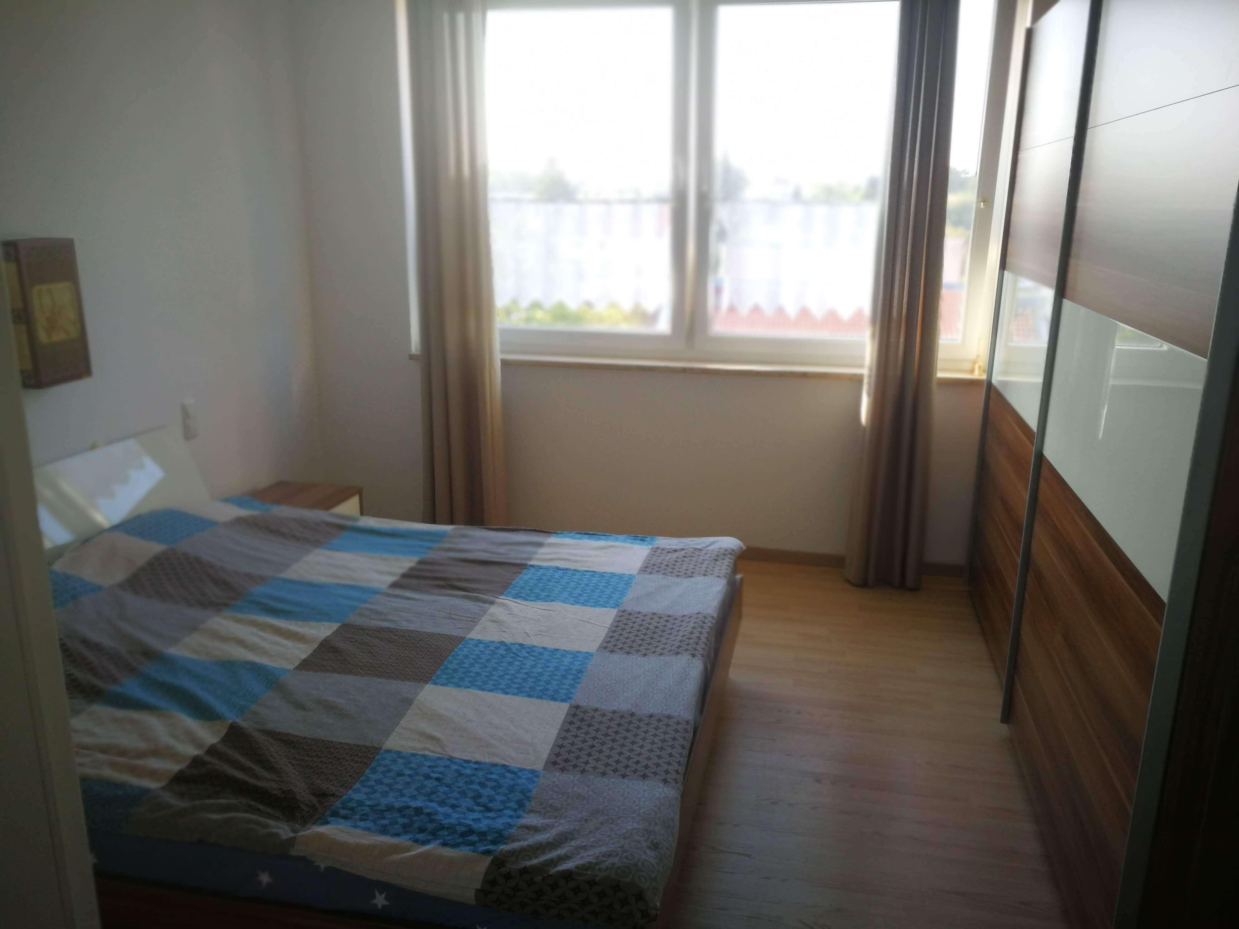 Stilvolle 3,5-Zimmer-Wohnung mit Balkon und EBK in UNTERHACHING