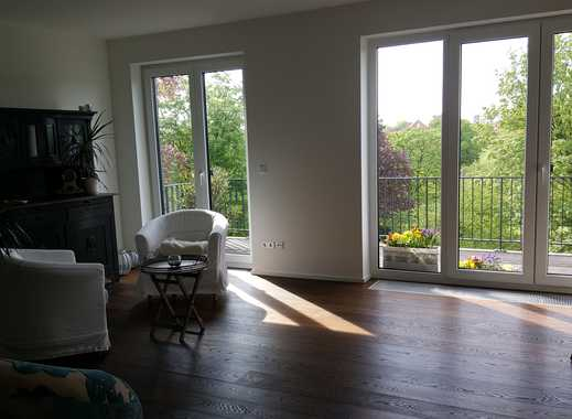 Stilvolle, neuwertige 3-Zimmer-Wohnung mit Südbalkon und EBK im Park