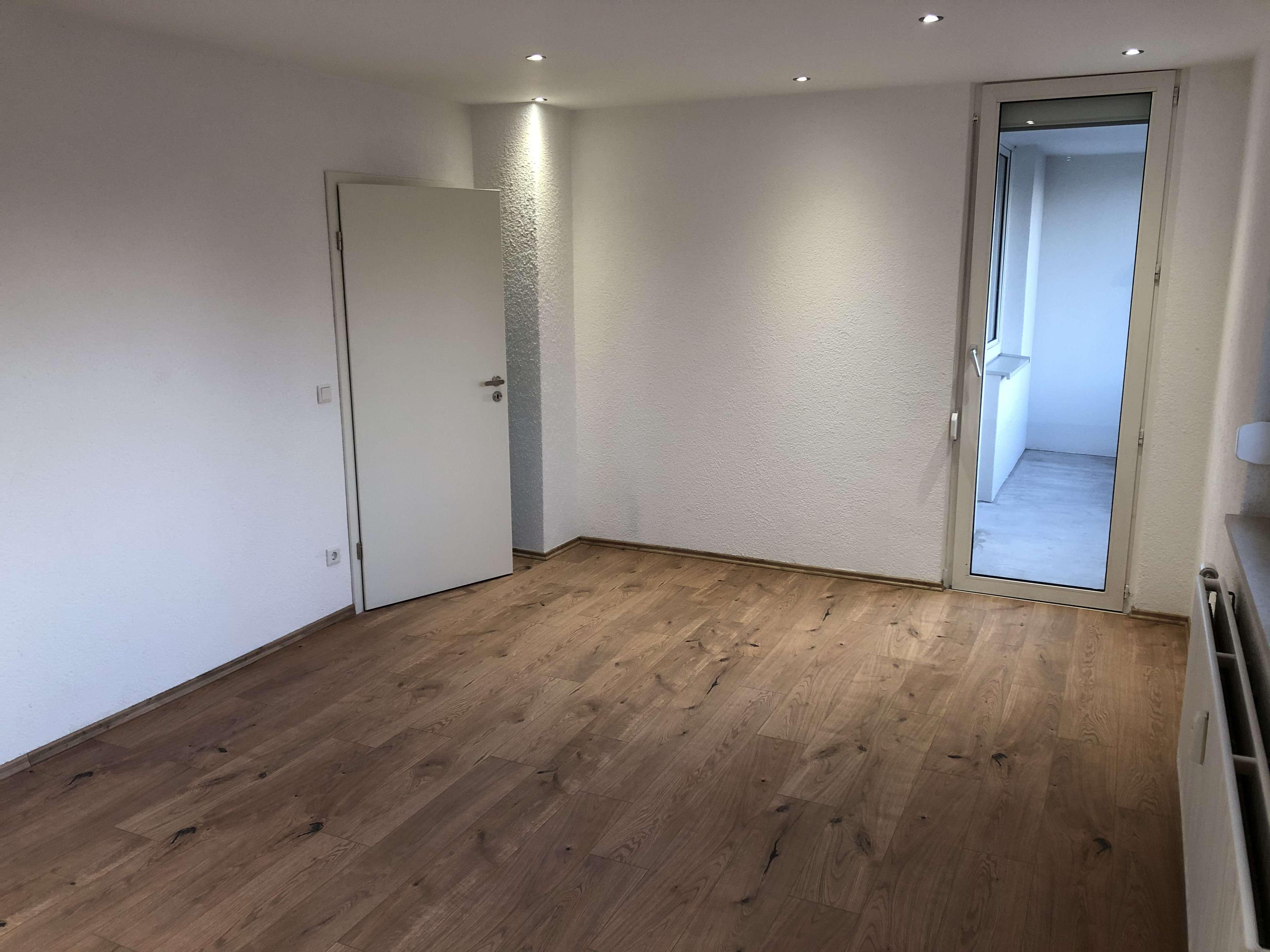 Vollständig renovierte 2-Zimmer-Wohnung mit Balkon und Einbauküche in Neuburg an der Donau in Neuburg an der Donau