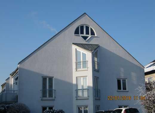 Gepflegte 2,5-Zimmer-Wohnung mit Balkon und EBK in Würzburg - Estenfeld