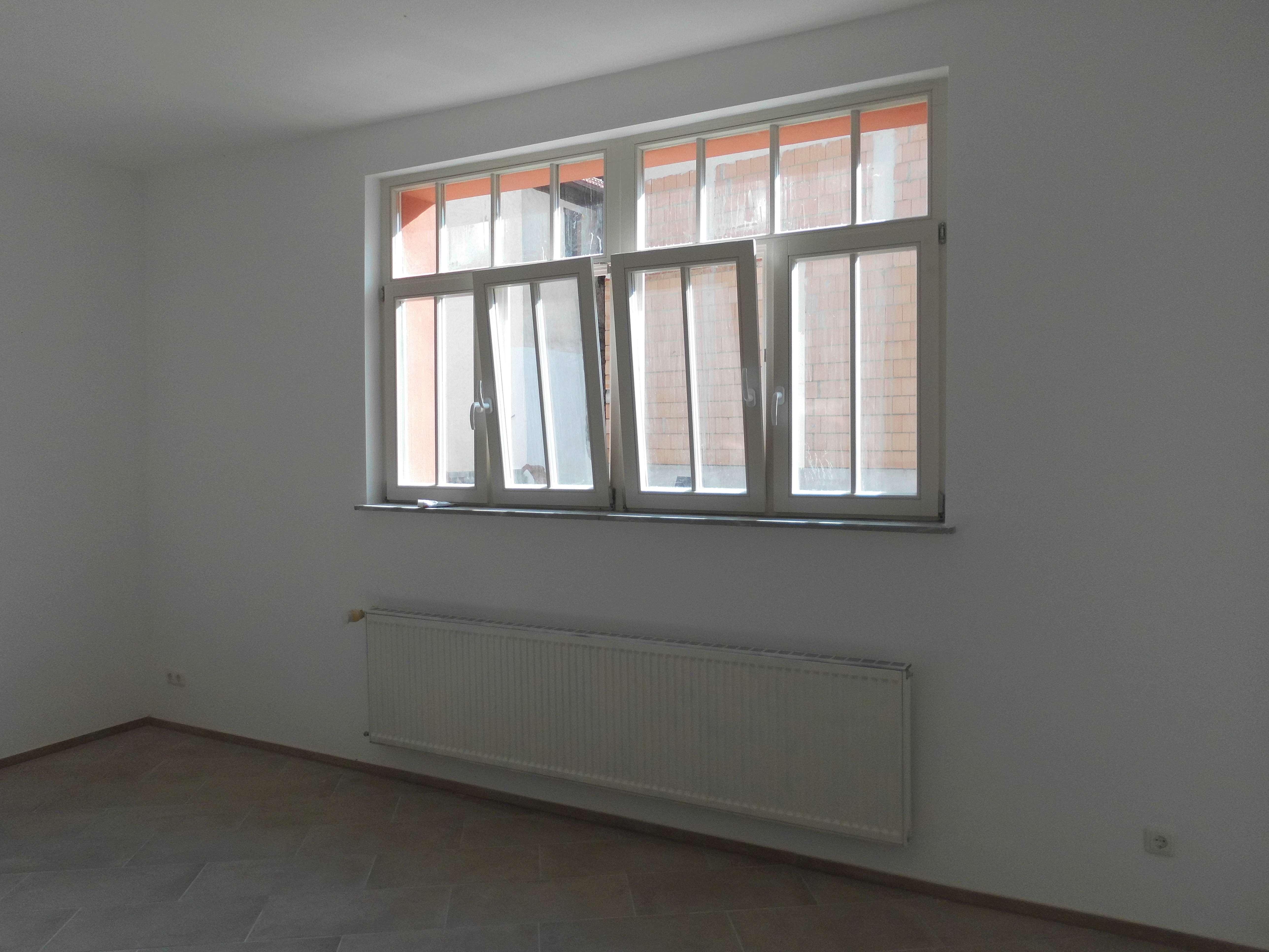 Erdgeschoss Wohnung mit Terrasse und Küche