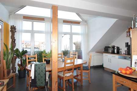 Charmante Dachgeschosswohnung mit Balkon in Aschaffenburg in Stadtmitte (Aschaffenburg)