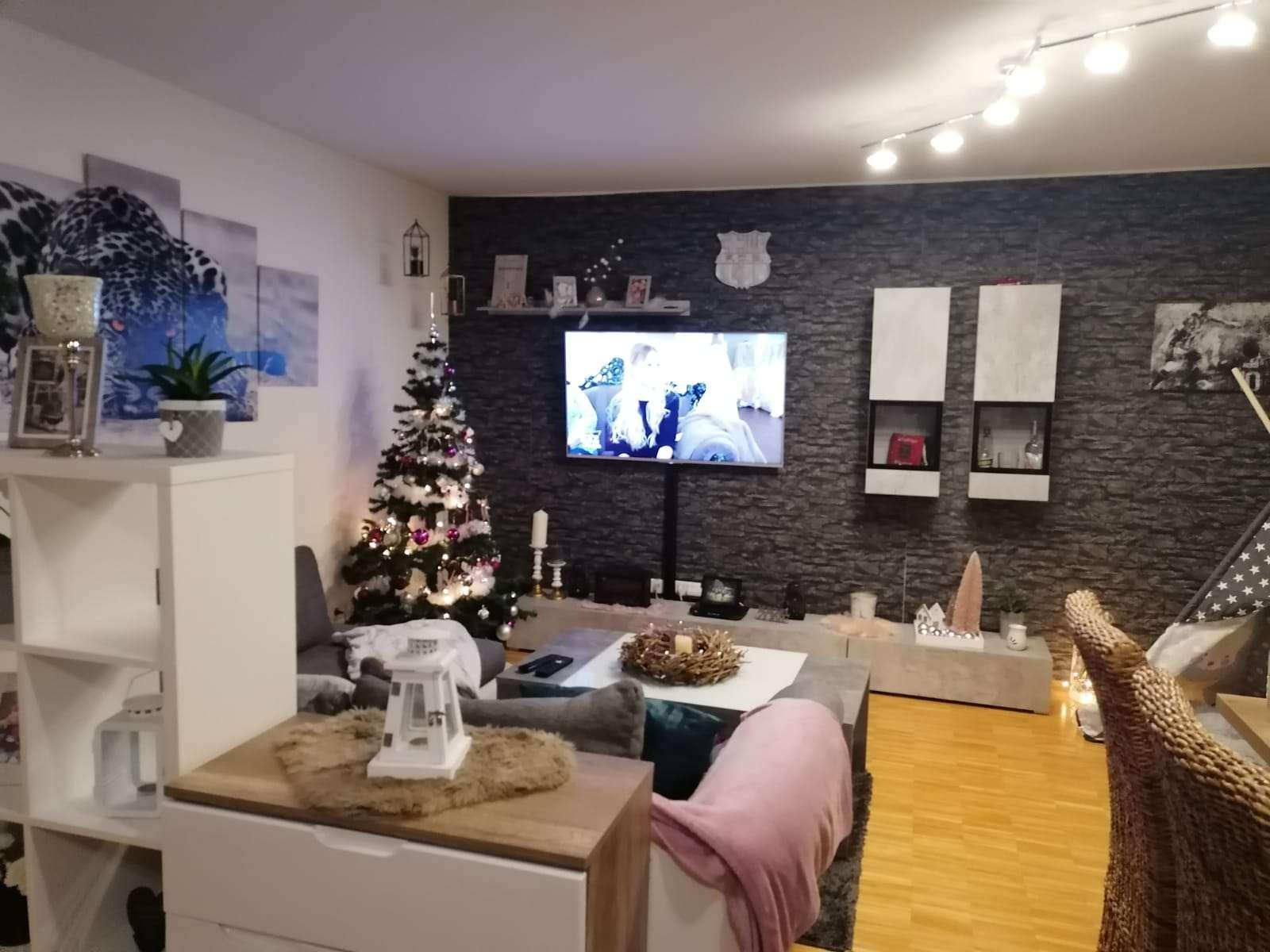 Stilvolle, neuwertige 3-Zimmer-Wohnung mit Balkon und EBK in Würzburg in