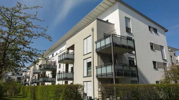Feldkirchen: Schöne 2-Zimmer-Wohnung im 2.OG mit Südbalkon und großem Hobbyraum im Keller