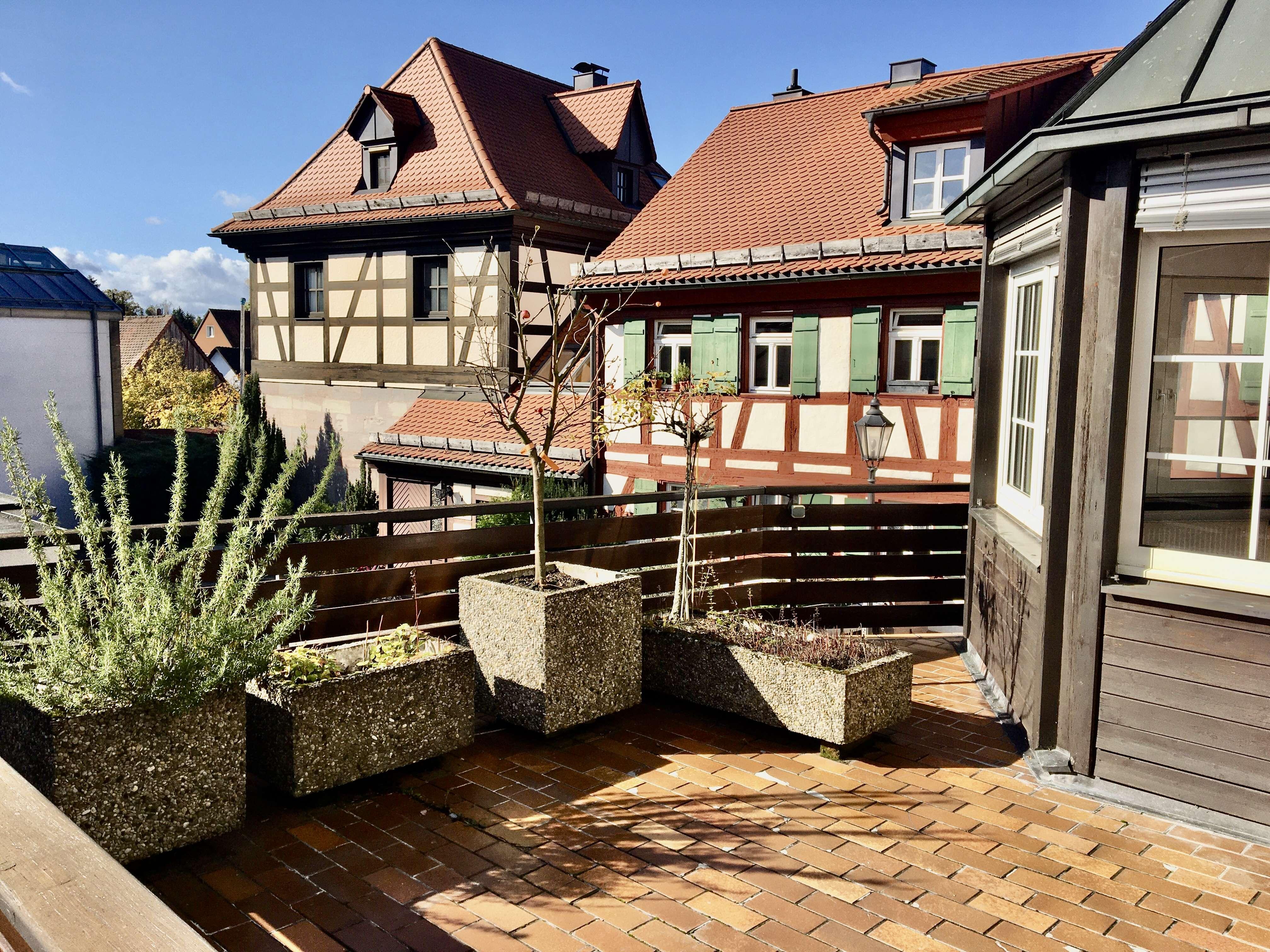 * tolle Wohnung mit Wintergarten und Freisitz * in Wendelstein