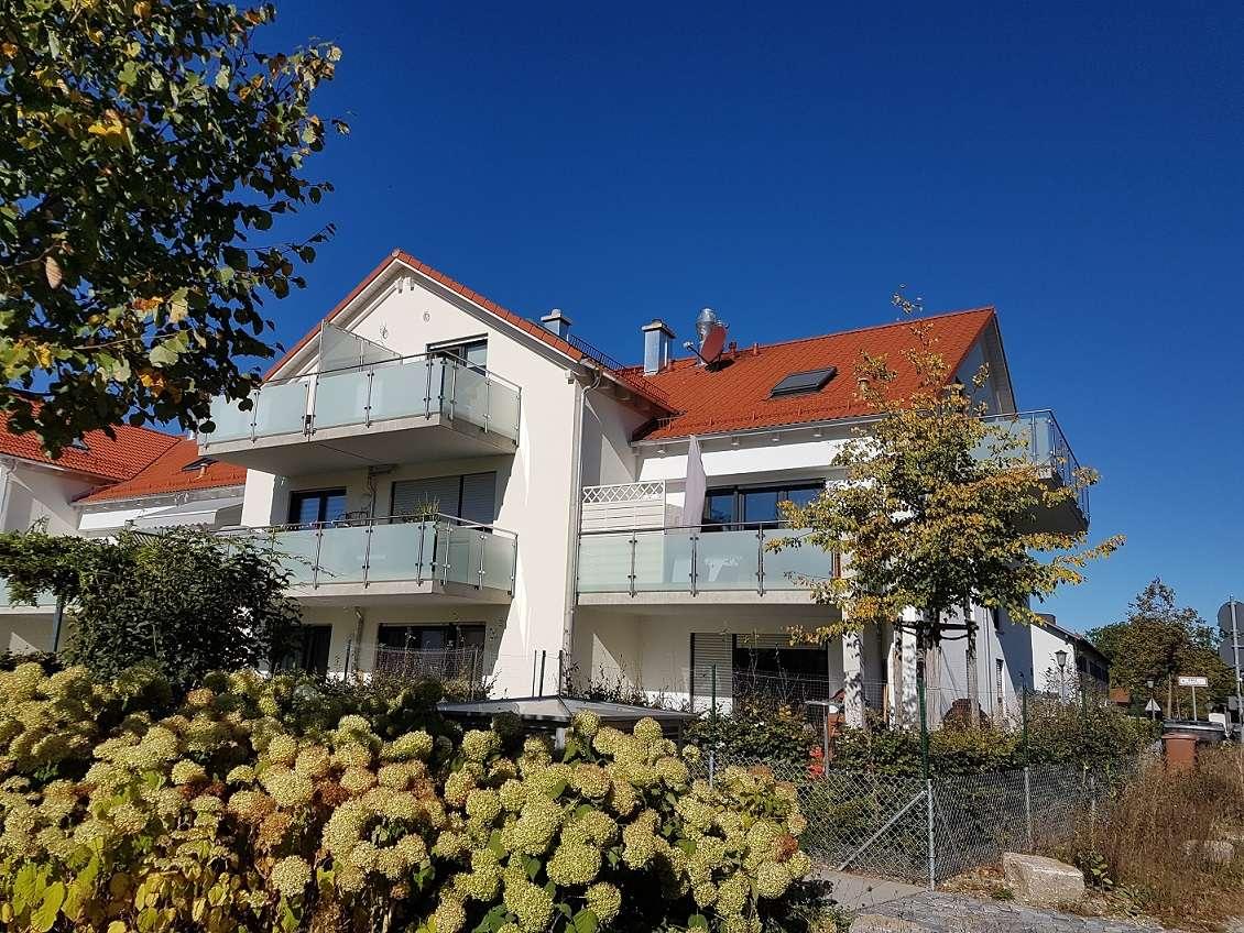 Neuwertige helle barrierefreie 3-Zimmer  83,5 m² DG-Wohnung, hochwertige Ausstattung und EBK in Haar (München)