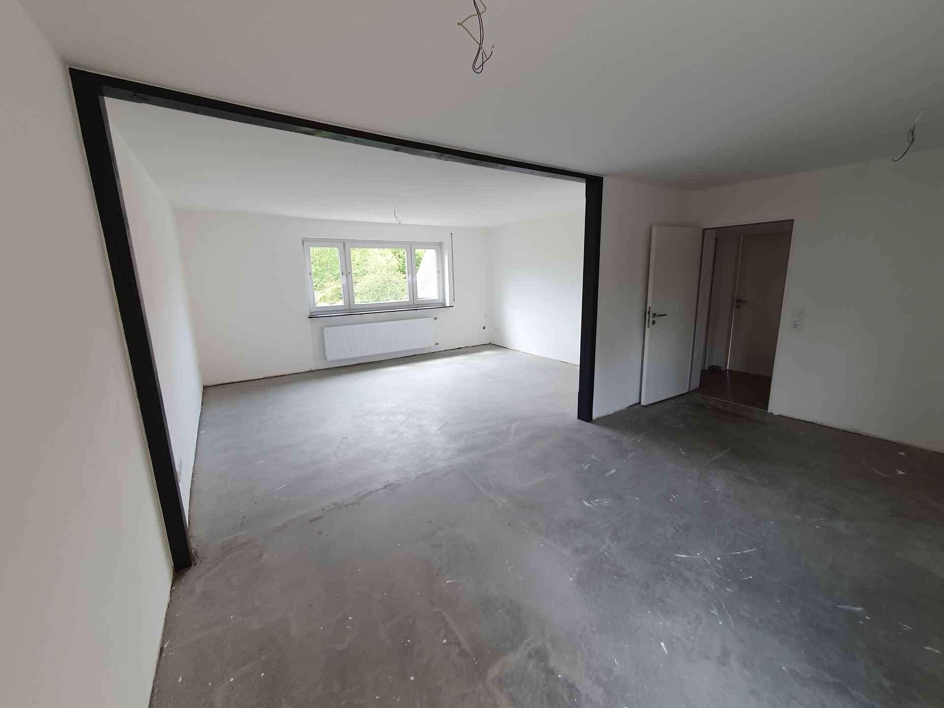 Erstbezug nach Sanierung mit EBK und Balkon: schöne 4-Zimmer-Wohnung in Windsbach in