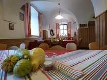 Überregional bekannte Traditionsgastronomie mit Hotelzimmern