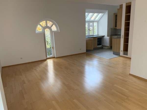 Wohnen in München Harlaching! Zauberhafte 3-Zimmer-Wohnung in bester Lage Nähe Isarhochufer in Harlaching (München)