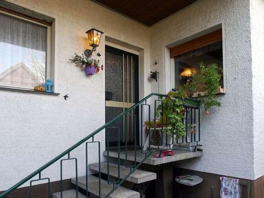 Sanierungsbedürftiger Winkelbungalow im Rudower Blumenviertel - Bild 2