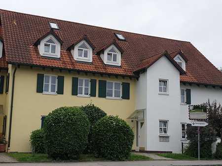 Helle, gemütliche 2,5 Zimmer Dachgeschosswohnung mit Galerie in guter Lage zu vermieten in Maisach
