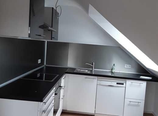 Vollständig renovierte 2-Zimmer-DG-Wohnung mit EBK in Viernheim