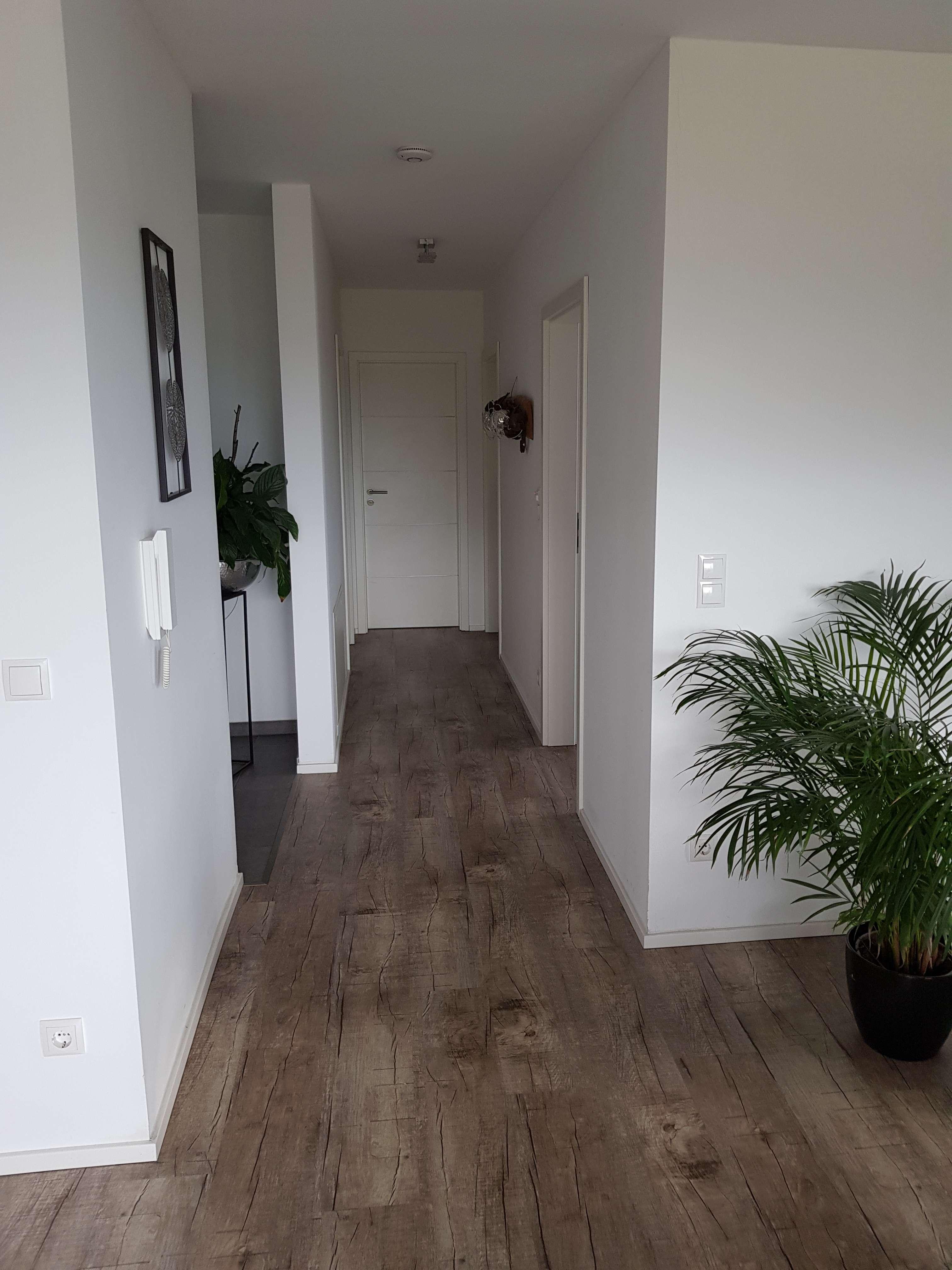 Neubauwohnung mit drei Zimmern inklusive Balkon und Gartenbereich in Salzweg/Straßkirchen in