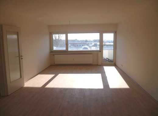 Lichtdurchflutete, frisch renovierte 3-Zimmer-Wohnung mit Balkon