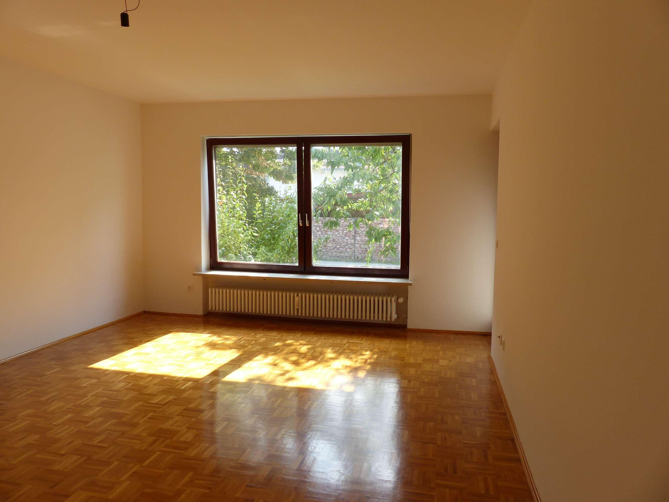 Gepflegte 3-Zimmer-Hochparterre-Wohnung mit Balkon in Plattling