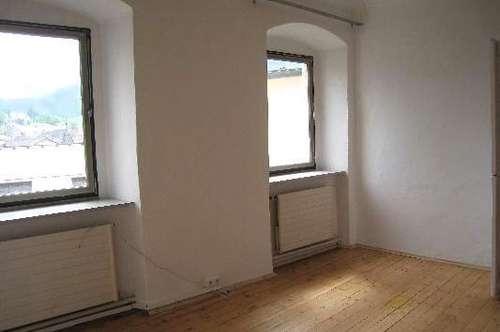 Renovierte, ruhige 3-Zimmer Altstadtwohnung