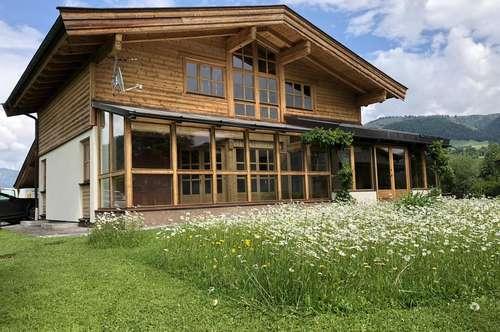 Gemütliches Landhaus mit schönem Garten
