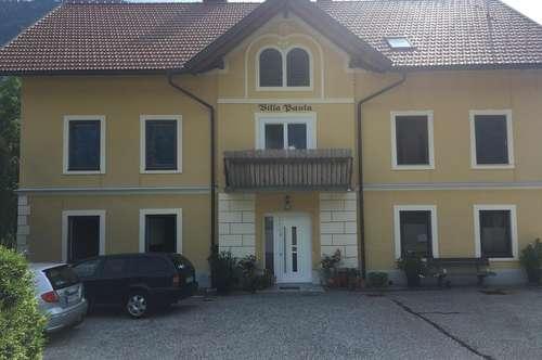 Renovierte Wohnung in alter Villa