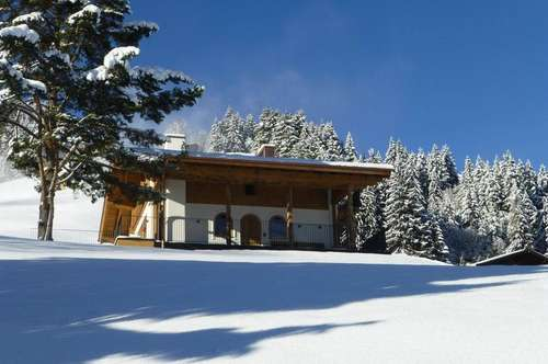 Hochwertig ausgestattetes Bergchalet in  herrlicher Panoramalage mitten im Kitzbüheler Skigebiet  (Erstbezug nach umfassender Renovierung)