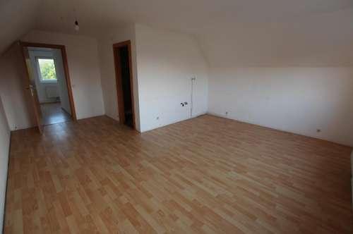 4 Zimmer Wohnung in zentraler Lage