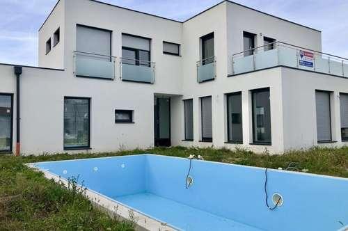 Neuer Preis! Traumhaus mit Pool in moderner Wohnsiedlung