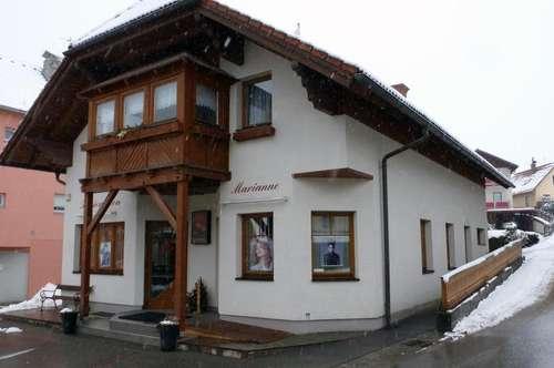 Wohn- und Geschäftshaus in Top-Zustand