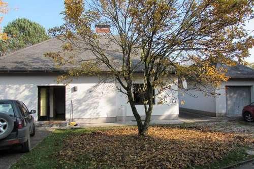 Einfamilienhaus mit herrlichen Garten und Garage