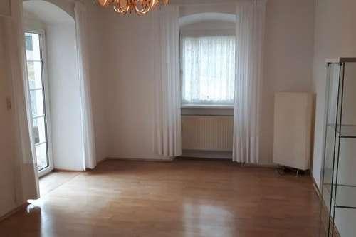 Ruhige 2 Zimmerwohnung mit herrlicher Aussicht und Terrasse