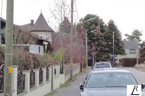 5 Zimmer Reihenhaus in der Nähe der U2 Station Hausfeldstrasse!