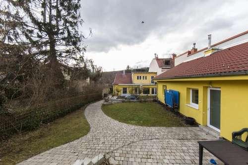 Tolles Grundstück mit 2 Häusern in ruhiger Lage in 1230 Wien zu verkaufen!