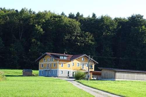 TOP !!! Braunau/Handenberg: Sehr schöne 5-Zi.-Gartenwohnung auf zwei Ebenen in wunderschöner Naturlage -