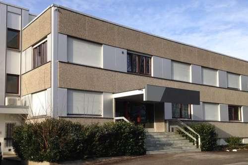 • Bürofläche im 1. OG mit ca. 39 m²