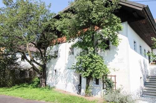 Urige Ruheoase mitten im Grünen! Idyllisch gelegenes Landhaus mit 4.000 m² Grundstück!