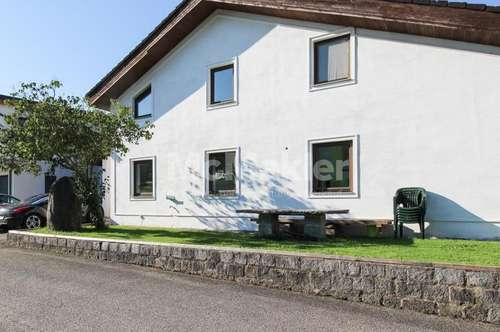Attraktive Kapitalanlage! Großzügiges MFH mit 2 Grundstücksparzellen unweit der FH Oberösterreich!