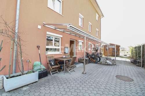 Stilvolle 5-Zi.-DHH mit Garten, Balkon, Pool und Carport - verkehrsgünstig in Feldkirch