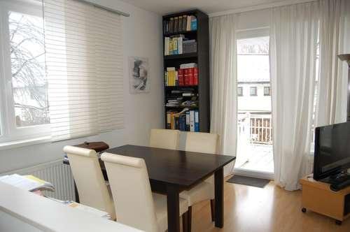 Sonnige 2-Zimmer-Wohnung mit Blick ins Grüne