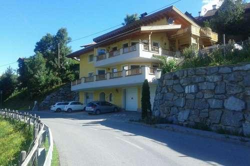 Sonnige, helle 4 Zimmer Wohnung (Nutzfläche 200m²) im 1. Stock mit großer Sonnenterrasse inkl. Garage (Privat!!)