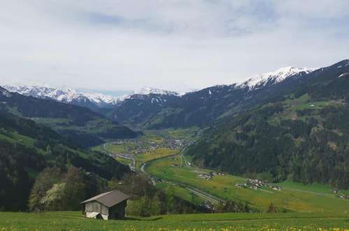 Zillertal: Bauernhaus in Traumlage zu vermieten