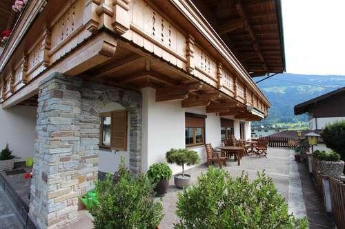Zillertal: große Maisonette Wohnung mit Terrasse im Zentrum zum vermieten