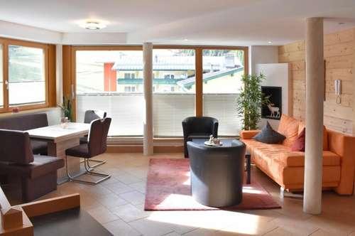 Hochfügen: stilvolles Apartment direkt an der Piste!