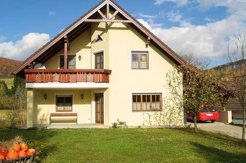 Ruhe und Gelassenheit - Schönes Einfamilienhaus im Wienerwald mit Garten, Carport und Freiblick