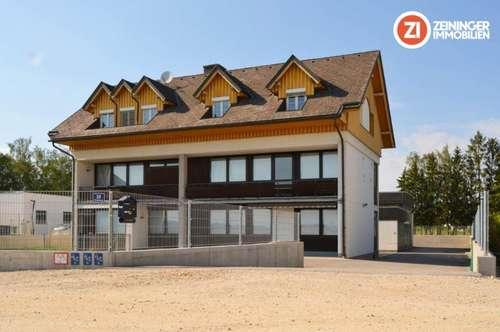 EINZIGARTIG - Mitarbeiterhaus mit 13 Zimmer,  Lager- und Garagenfläche und Parkfläche