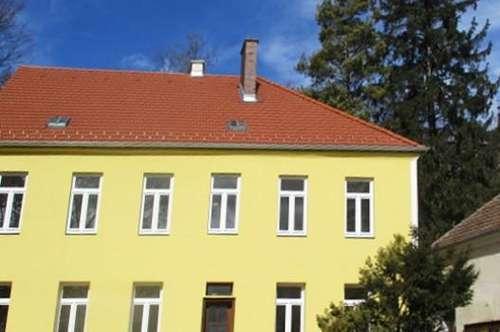 Wohnhaus mit 4 Wohneinheiten