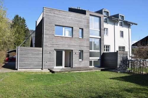 PARSCH / PREUSCHENPARK: Moderne 4-Zimmer-Doppelhaushälfte, Terrasse, Garten