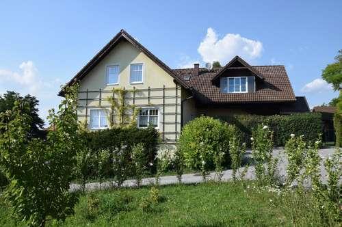 WEINVIERTEL/KLEINEBERSDORF: Romantisches 3-Familien-Domizil mit Obstgarten und Schwimmteich