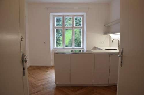 GNIGLER KIRCHE: Romantische 2,5-Zimmer-Altbauwohnung mit Grünblick